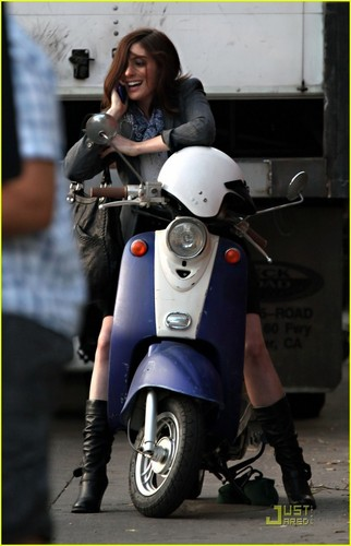 Anne Hathaway on the set