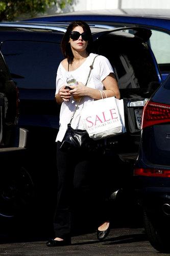 Ashley Greene Heads to a Photo Shoot