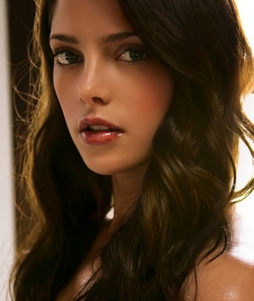http://images2.fanpop.com/images/photos/8000000/Ashley-Greene-twilight-series-8034105-499-591.jpg