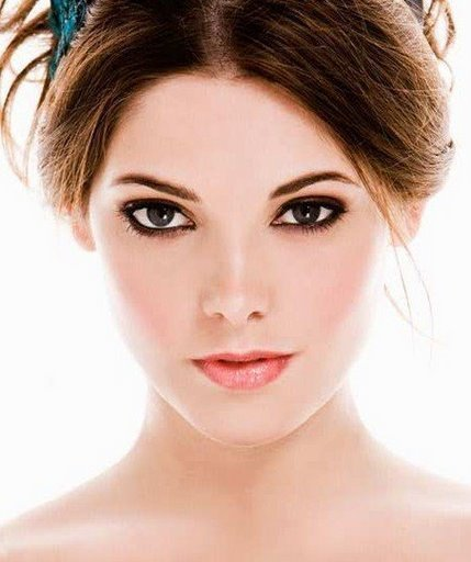 http://images2.fanpop.com/images/photos/8000000/Ashley-Greene-twilight-series-8034118-429-512.jpg