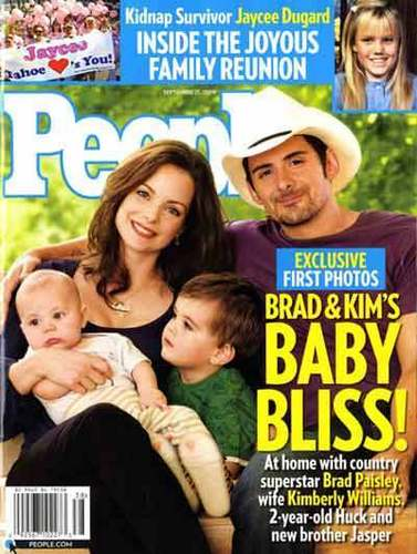 Brad Paisley and Family - brad-paisley Photo