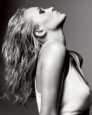 Carrie Underwood in Elle Magazine