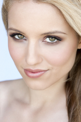 Dianna Agron - glee Photo