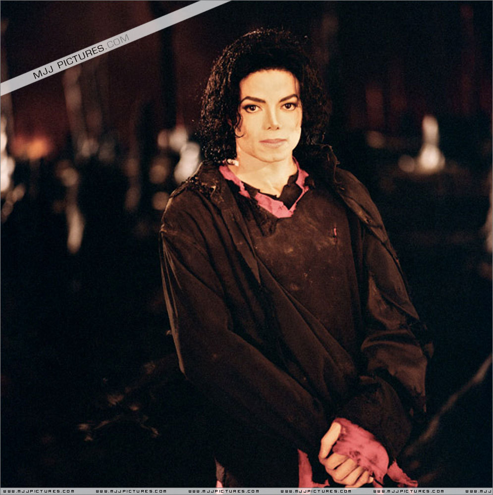 deconstruction of michael jacksons earth song Bad news, cale i'm afraid that your position as my closest and dearest companion is being replaced by the fellow who just tackled a dragon —richard, looking for group.