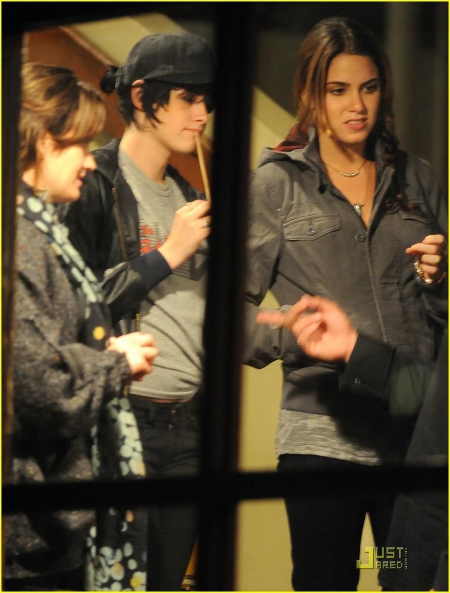 Few Pics of the Twilight Cast.
