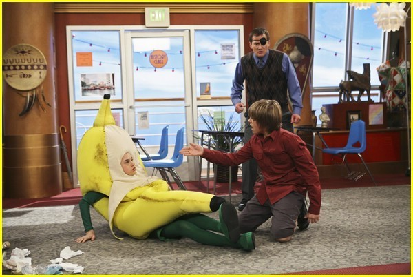 Goin' Bananas - suite-life-on-deck photo