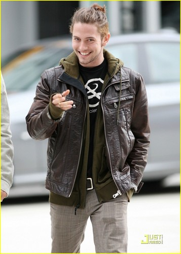 Jackson Rathbone is a Tom Lee Музыка Man