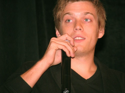 Jake Abel kertas dinding called Jake