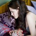 Kristen and Bella wearing the same ring??? Why???? - twilight-series photo