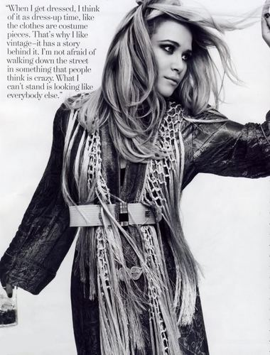 ELLE Magazine wallpaper possibly with an outerwear titled Mary Kate Olsen on Elle UK
