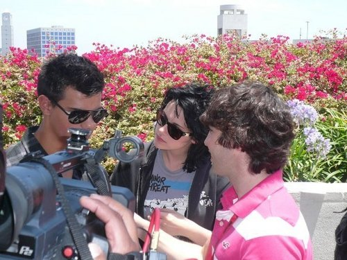 More from Comic Con 09 (outdoor interview) - twilight-series Photo