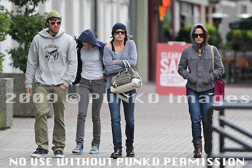 Paris,Kristen,Nikki and Elizabeth in Vancity