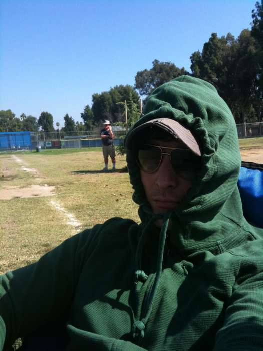 Peter Facinelli trying To Not Get Tan to keep carlisle pale (Hahahahahahaha)