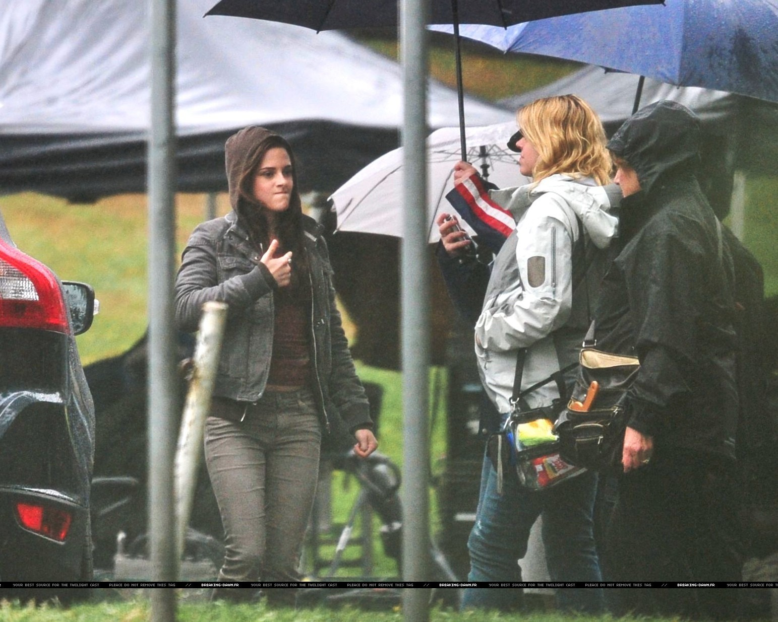 kristen on the set of Eclipse yesterday