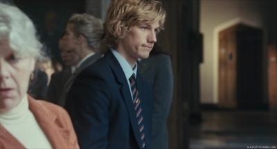 Alex Pettyfer fond d'écran with a business suit entitled Wild Child