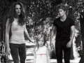 edward, bella and renesmee - edward-cullen photo