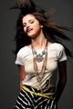 selena falling down the photo shoot