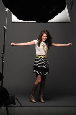 selena falling down the photo shoot - selena-gomez photo