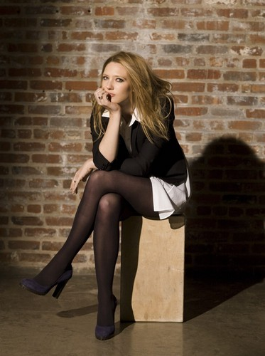 Anna Torv fond d'écran containing bare legs entitled Anna