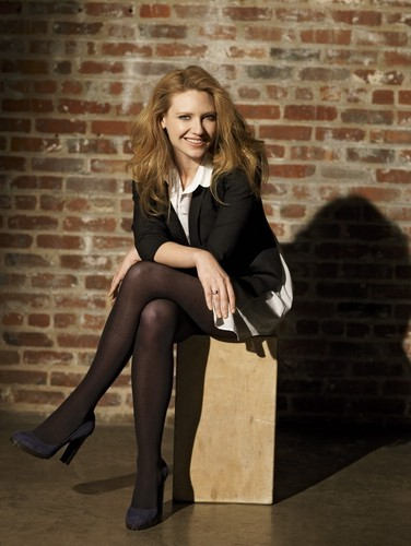 Anna Torv fond d'écran possibly containing bare legs and a hip boot titled Anna