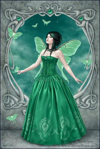 Birthstones - Esmeralda