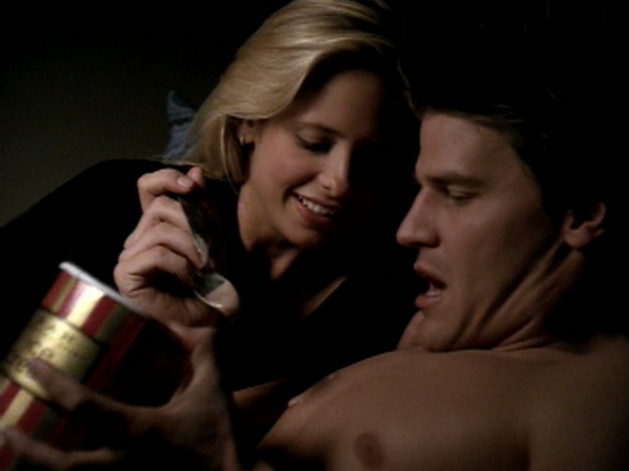 http://images2.fanpop.com/images/photos/8100000/Buffy-and-Angel-bangel-vs-spuffy-8136752-1280-960.jpg
