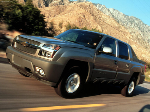 Chevrolet Hintergrund with a sport utility called Chevrolet Avalanche (2002)