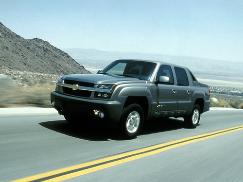 Chevrolet wallpaper possibly with a sport utility entitled Chevrolet Avalanche (2002)