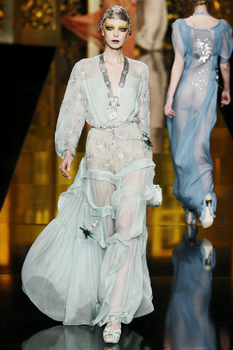Dior Обои possibly with a bridesmaid and a платье, бальное платье titled Christian Dior Fall 2009 RTW Collection