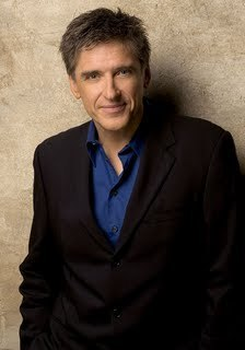 Craig Ferguson in a suit - late-late-show-with-craig-ferguson Photo