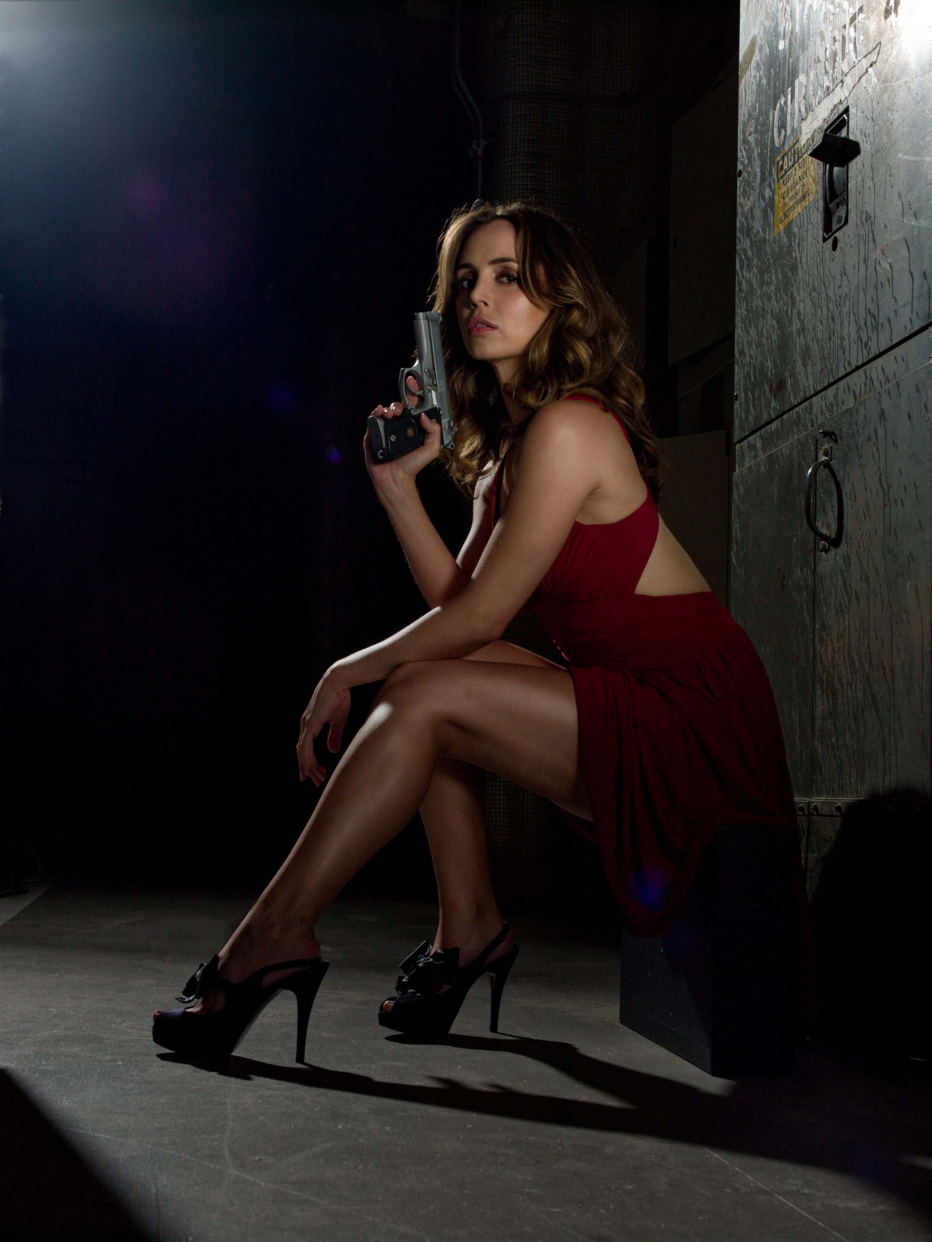 Eliza Dushku gets naked to promote Dollhouse