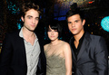 First Rob, Kris and Taylor backstage pic(kristen so cute) - twilight-series photo