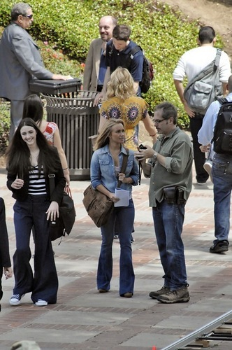 Hayden Panettiere and madeline zima On Set - 06/17/09