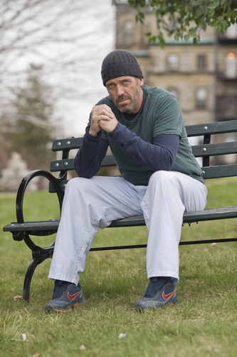हाउस एम.डी वॉलपेपर with a park bench entitled House - Season 6