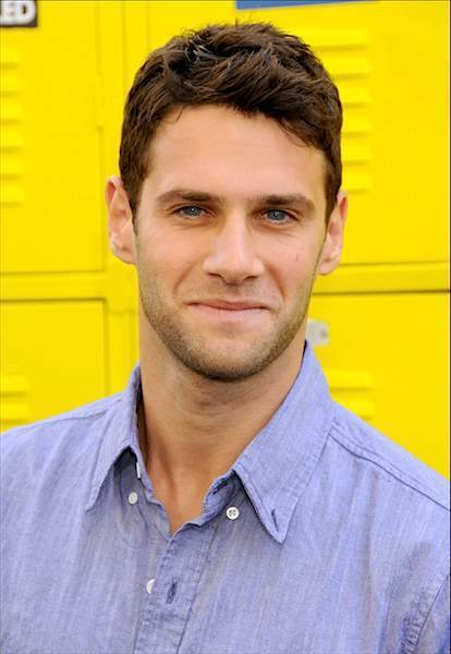 Justin Bartha - Wallpaper Gallery