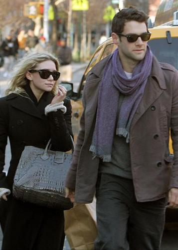 Justin Bartha with Ashley Olsen