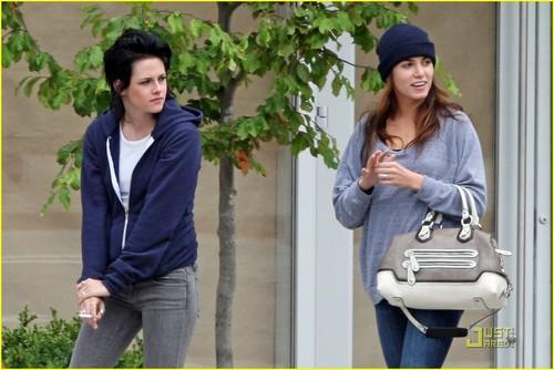 Kristen Stewart & Nikki Reed: Domino's Darlings