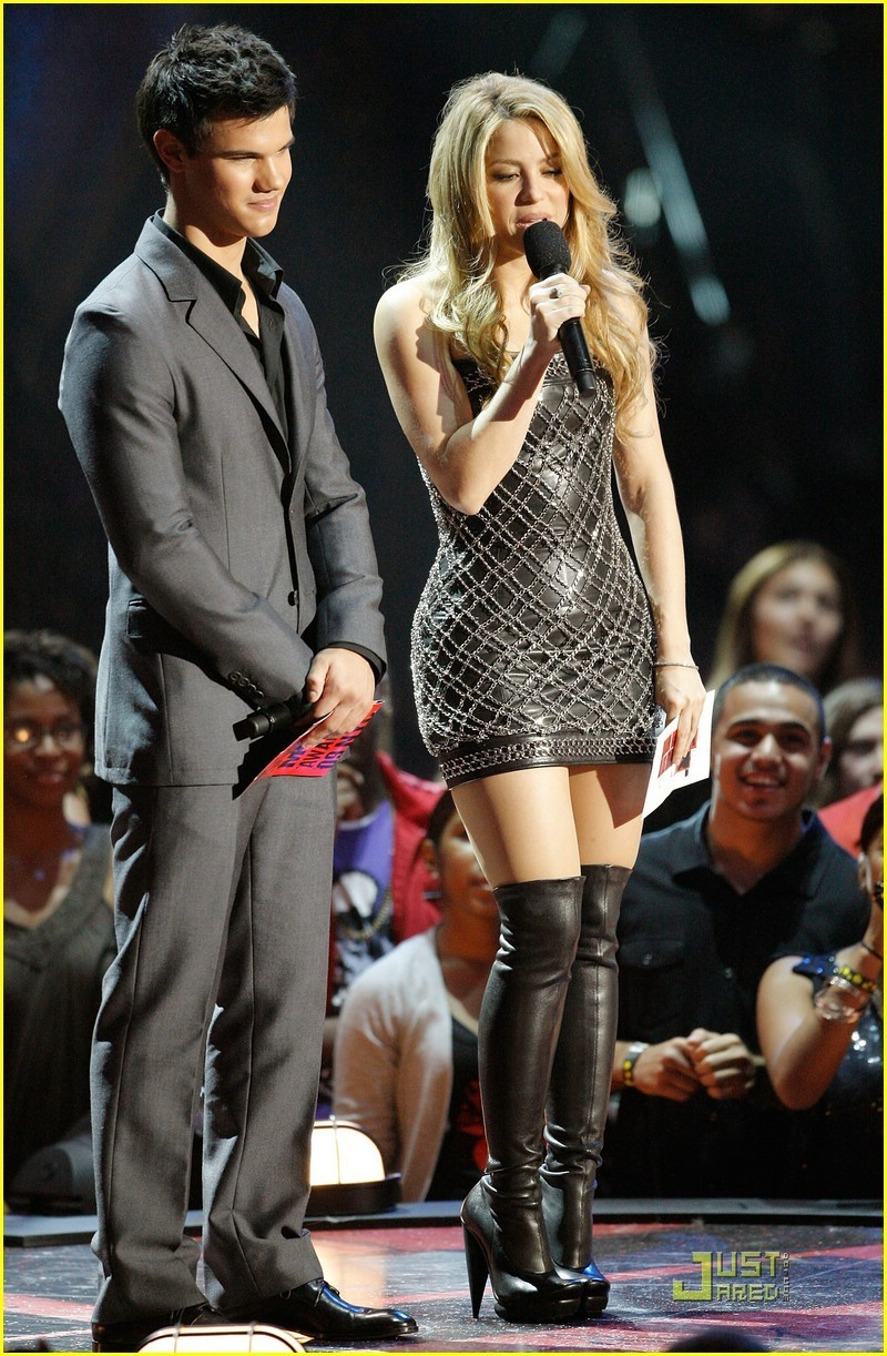 Kristen Stewart, Robert Pattinson, and Taylor Lautner at the VMAs 2009