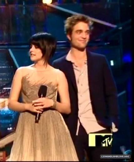 Larger Screencaps from VMA