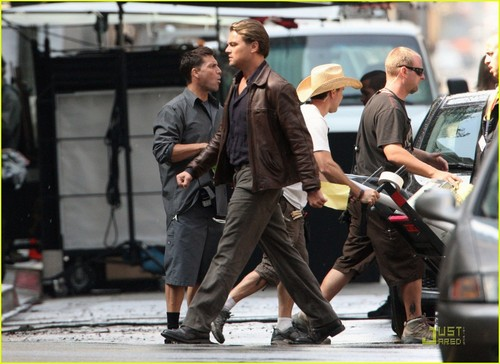 Leo on the set of 'Inception' (September 12)