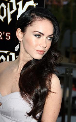 "Megan @ ""Jennifer's Body' Hot Topic"" प्रशंसक Event"