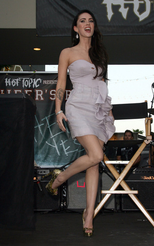 "Megan @ ""Jennifer's Body' Hot Topic"" fã Event"