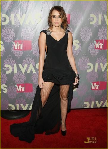 Miley @ 2009 VH1 Divas