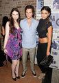 Penn with co-stars - dan-humphrey photo