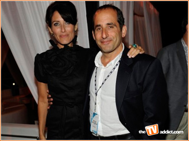 Peter Jacobson karatasi la kupamba ukuta entitled Peter Jacobson and Lisa Edelstein