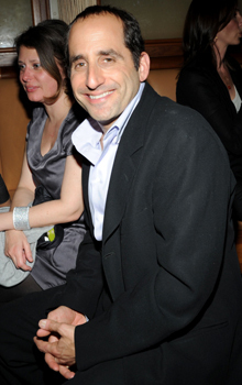 Peter Jacobson Hintergrund with a business suit, a dress suit, and a suit titled Peter