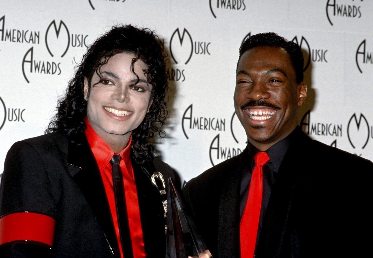 The 16th American Music Awards Jan 30 1989  1989-American-Music-AWARDS-michael-jackson-8253499-1440-996