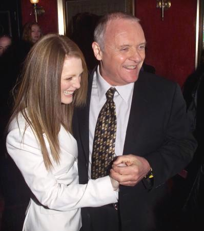 Anthony Hopkins & Julianne Moore