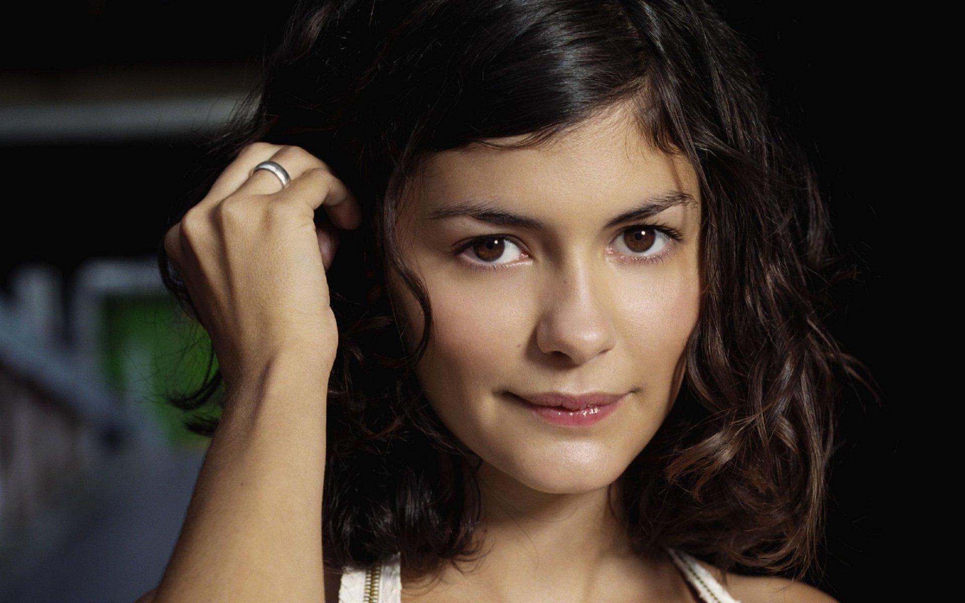Audrey Tautou - Wallpaper Actress