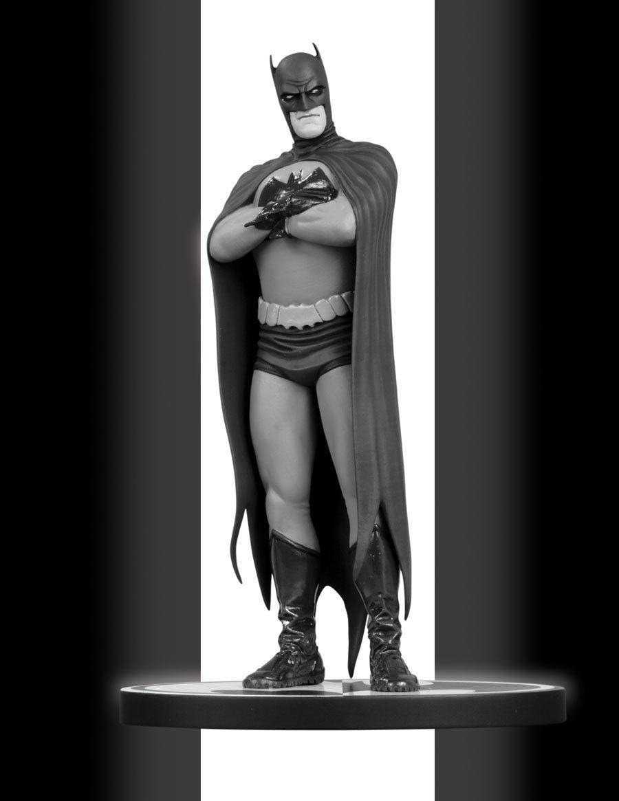 Action Figures: Marvel, DC, etc. - Página 2 Black-and-White-Statue-batman-8257951-900-1165